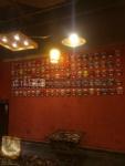 饭店脸谱墙体装饰